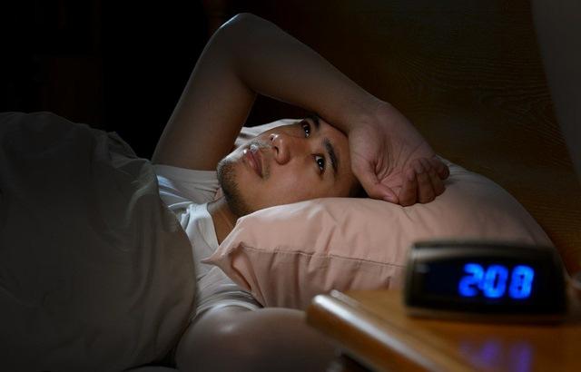 Mất ngủ tuổi 40, điều trị thế nào?