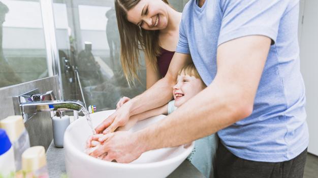 Những thời điểm cần vệ sinh tay cho trẻ